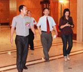 家庭医生在线副总裁黄飚先生迎接兰平院长